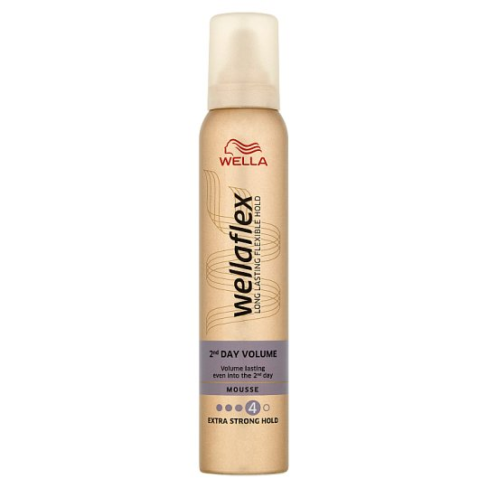 Wella Wellaflex 2nd Day Volume Extra Strong Hold Mousse 200ml