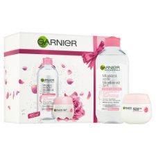 image 2 of Garnier Skin Naturals Gift Set