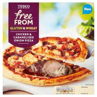 Tesco Free From Pizza s kousky kořeněného kuřecího masa a karamelizovanou cibulí 330g