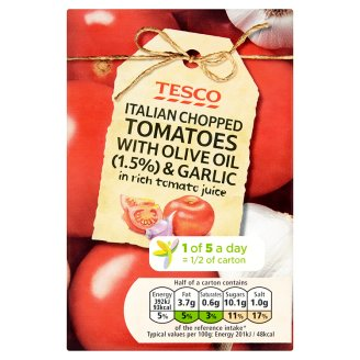 Tesco Italian Chopped Tomatoes with Olive Oil (1.5%) & Garlic in Rich Tomato Juice 390g