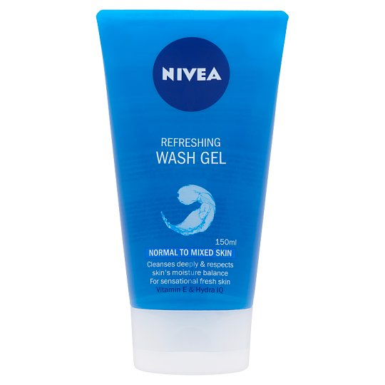 NIVEA Refreshing Wash Gel for Normal to Mixes Skin with Vitamin E and Hydra IQ 150 ml