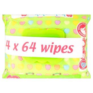Tesco Loves Baby rendkívül puha, illatosított törlőkendő 4 x 64 db