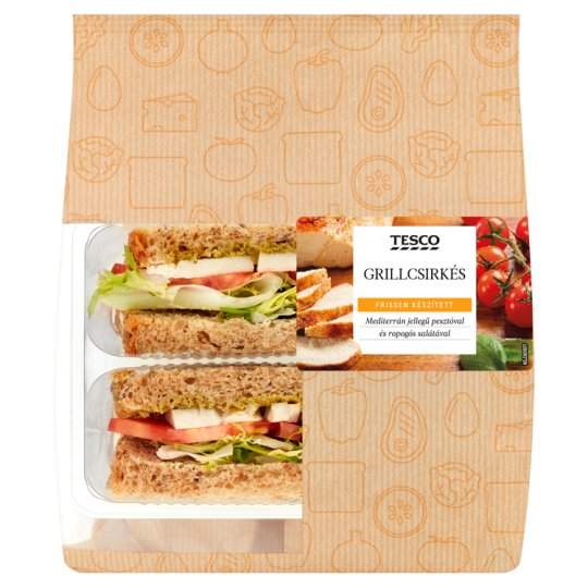 Tesco Sandwich with Roast Chicken Breast, Tomato, Pesto and Salad 149 g