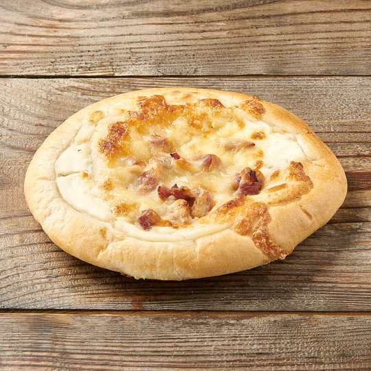 Bacon-Sour Cream Pizza