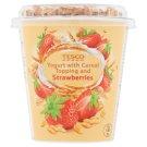 Tesco Jogurt naturalny z płatkami owsianymi truskawkami liofilizowanymi i truskawkami 145 g