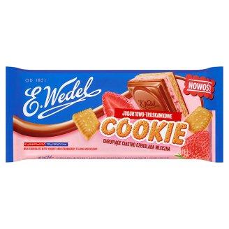 E. Wedel Cookie Czekolada mleczna z nadzieniem jogurtowo-truskawkowym i herbatnikiem 290 g