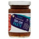 Tesco Pasta z pomidorów cebuli trawy cytrynowej galangalem i liśćmi limonki średnio pikantna 95 g