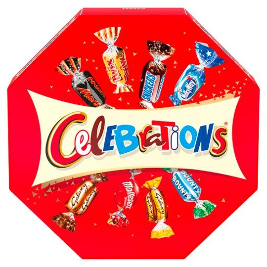 Celebrations Wybór czekoladowych cukierków ciasteczek i wafelków oblanych mleczną czekoladą 186 g