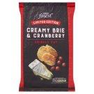 Tesco Finest Chipsy ziemniaczane grubo krojone o smaku sera Brie i żurawiny 150 g