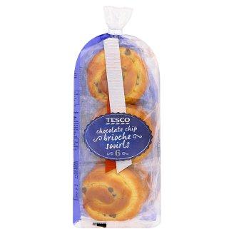 Tesco Bułeczki zawijane z kremem i kawałkami czekolady 300 g (6 sztuk)