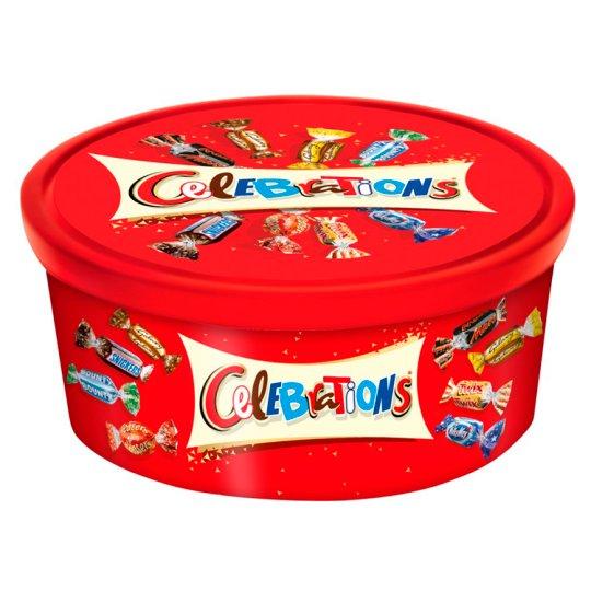 Celebrations Wybór czekoladowych cukierków i ciasteczek oblanych mleczną czekoladą 650 g