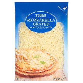 Tesco Mozzarella polotvrdý nezrejúci plnotučný strúhaný syr 200 g