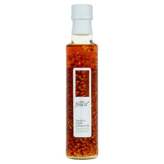 Tesco Finest Zálievka s extra panenským olivovým olejom s cesnakom a chilli 250 ml